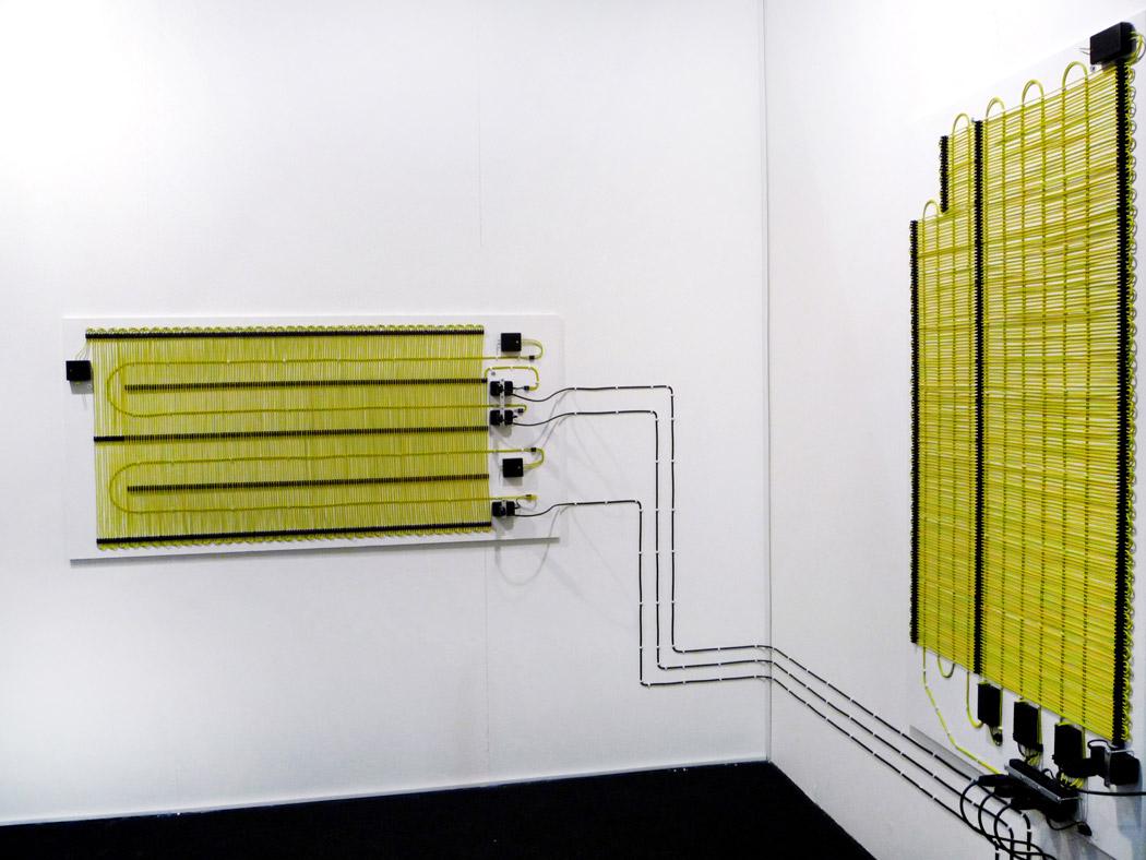 Alberto Tadiello, Farad, cavi, prolunghe, trasformatori di voltaggio, circuiti, dimensioni varie, 2008.