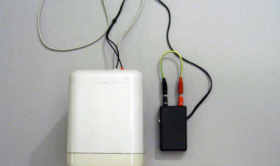 Alberto Tadiello, 9V, speaker, circuit, cables, battery, site specific dimension, 2007. Private collection